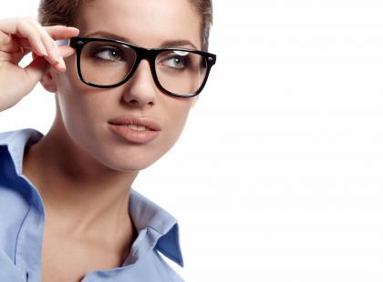 okulary, kobieta/ fot. Fotolia