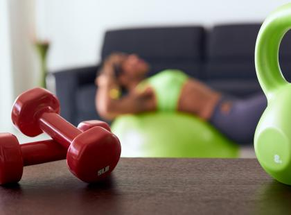 Jaki sprzęt kupić do domowej siłowni? Zobacz, co może ci się przydać!