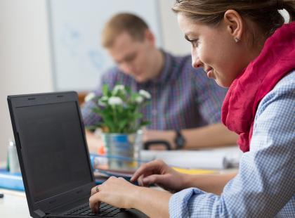 Jakie bariery w korzystaniu z internetu muszą pokonać niepełnosprawni?