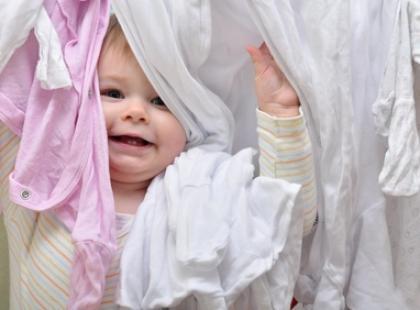 Jakie cechy powinien mieć płyn do płukania ubrań dziecięcych?