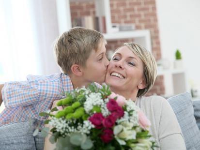 Jakie kwiaty kupić mamie? Zobacz ich znaczenie!