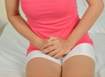 Jakie objawy powoduje przepuklina pachwinowa?
