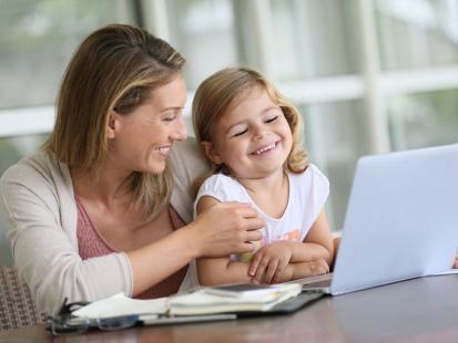 Jakie prawa w pracy posiada mama kilkulatka?