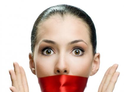 Jakie są przyczyny bezgłosu?