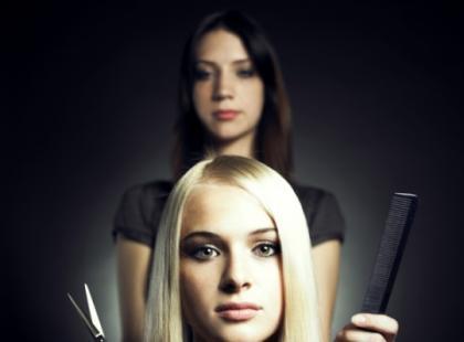 Jakie wymogi musisz spełnić, aby założyć salon fryzjerski?