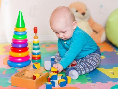Jakie zabawki kupować dzieciom, aby wspomagać ich rozwój?