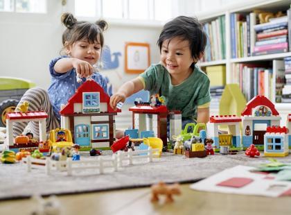 Jakie zabawki rozwijają umiejętności poznawcze u dziecka? [Wideo]