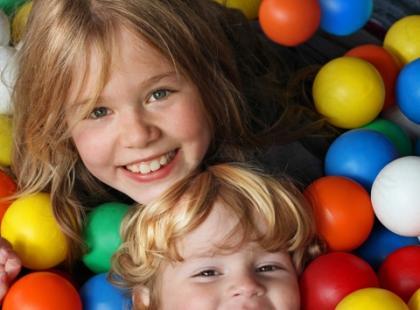 Jakie zabawy integracyjne najlepiej rozwijają dzieci?