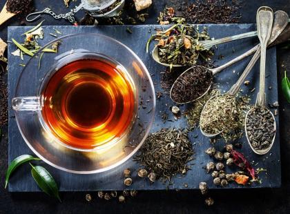 Jakie znaczenie dla właściwości herbaty ma jej pochodzenie?