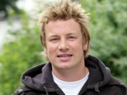 Jamie Oliver poleca: Warzywny kosz z bratkami