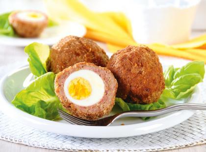 Jaskółcze gniazda z jajkiem