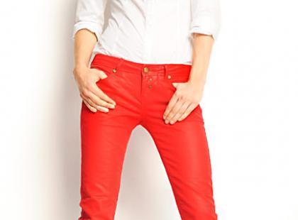 Jeansy na wiosnę - nowe kolory, nowe fasony