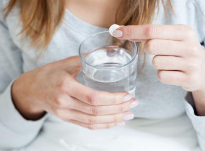 Jedna z serii tabletek musujących Alka-Prim wycofana przez GIF