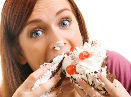 Problem jedzenia kompulsywnego występuje także wśród nastolatków.