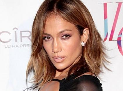 Jennifer Lopez jeszcze nigdy nie wyglądała tak obłędnie. Ta kreacja to hit