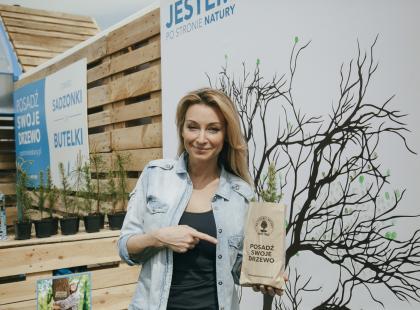 """""""Jestem po stronie natury"""", czyli  Martyna Wojciechowska zachęca do sadzenia drzew. Ty też możesz!"""