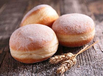Jesteś uczulona na gluten, laktozę lub jajka? Nie rezygnuj z Tłustego Czwartku i poznaj nasze przepisy na pączki!