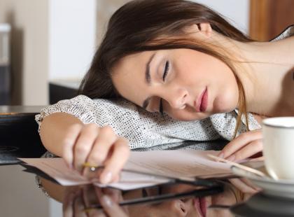 Jesteś wciąż zmęczona i senna? Sprawdź, czy to nie objawy cukrzycy!