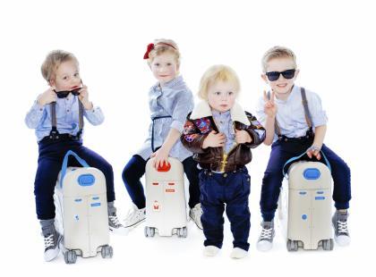 Jeżdżące walizki JetKids od Stokke – prezent zaprojektowany, by zbliżać