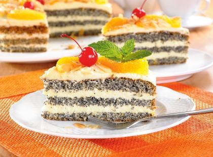 Jeżeli jesteś na diecie bezglutenowej, koniecznie sprawdź przepis na tort makowy bez mąki! Idealny na święta!