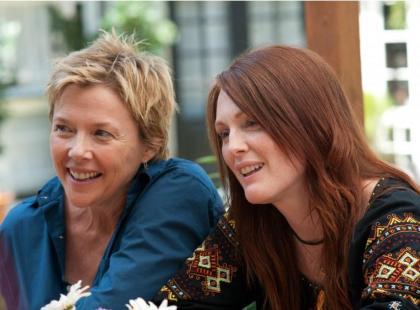 """Julianne Moore, Annette Bening i Mia Wasikowska w filmie """"Wszystko w porządku"""""""