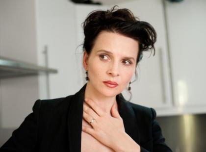 """Juliette Binoche przyjeżdża na premierę """"Sponsoringu"""""""