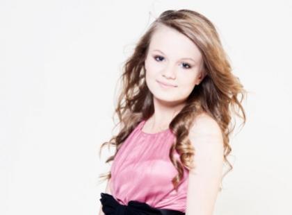 Julka B. - zjawiskowa nastolatka podbija polską scenę muzyczną