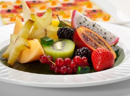 Karmelizowane owoce z grilla