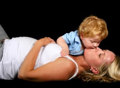 Karmienie piersią w czasie ciąży