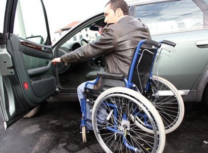 Karta parkingowa dla osoby niepełnosprawnej