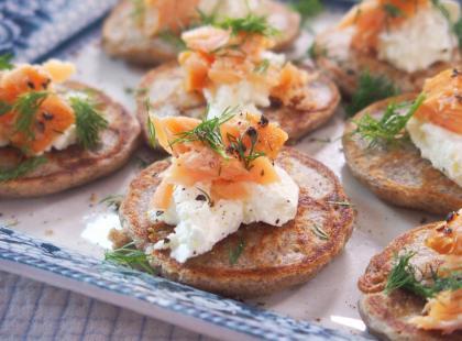 Kasia gotuje z Polki.pl - Bliny z serkiem i łososiem