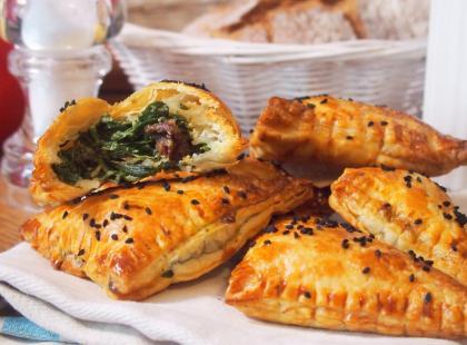 Kasia gotuje z Polki.pl - Rożki z ciasta francuskiego ze szpinakiem