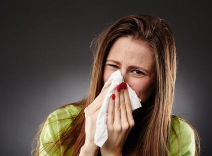 Kaszlesz i gorączkujesz? To może być zapalenie oskrzeli!