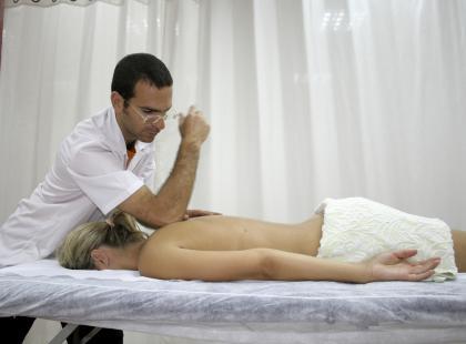Kiedy i dlaczego warto iść do fizjoterapeuty?
