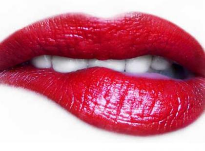 Kiedy mamy do czynienia z opadającym kącikiem ust?