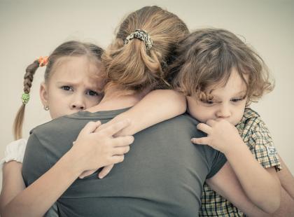Kiedyś to mama została sama z dwojgiem dzieci, a teraz ja. Tyle że ja sobie w ogóle nie radziłam