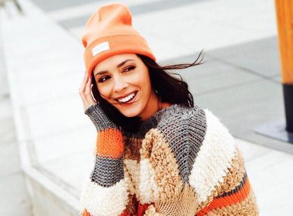 Klaudia Halejcio w najmodniejszym swetrze tego sezonu. Ty też możesz go mieć!