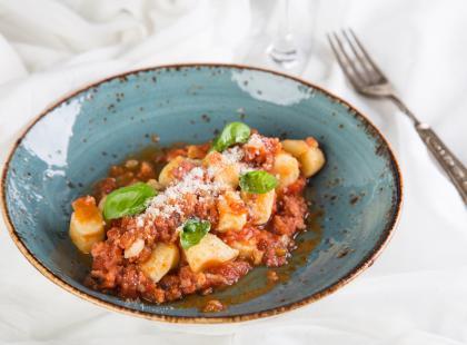 Kluseczki z sosem pomidorowym