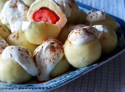 Knedle z truskawkami - Kasia gotuje z Polki.pl