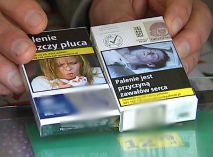 Kobieta zauważyła zdjęcie swojego zmarłego ojca na… paczce papierosów. Domaga się odszkodowania