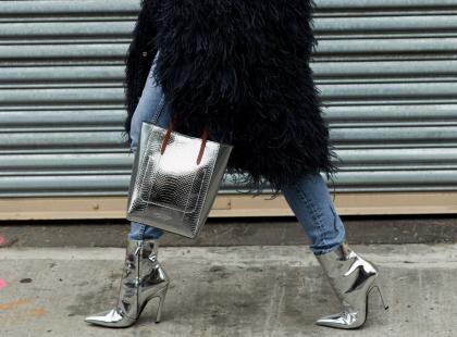 Kochasz błyszczeć? Postaw na metaliczne buty. Sprawdzą się nie tylko na sylwestra