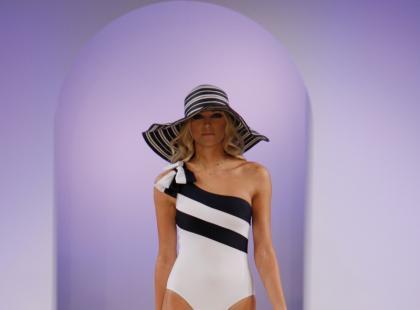 Kolekcja C&A wiosna/lato 2009 - stroje kąpielowe i bielizna
