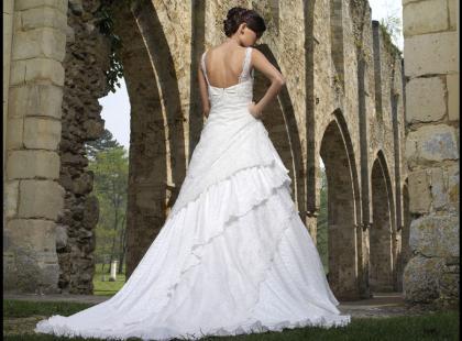 Kolekcja Divina Sposa - suknie ślubne