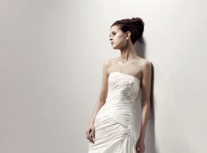 Kolekcja sukien ślubnych Blue by Enzoani wiosna/lato 2010