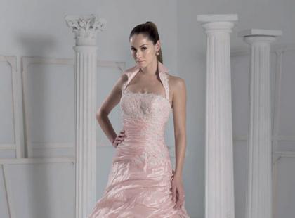 Kolekcja sukien ślubnych Fara Sposa 2009