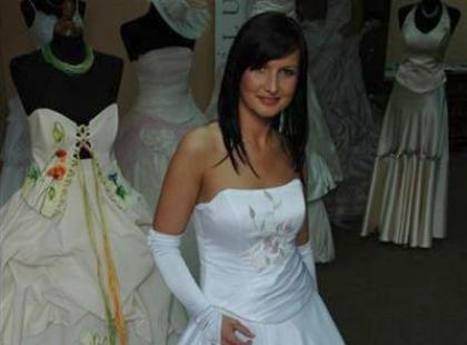 Kolekcja sukien ślubnych firmy Bajor