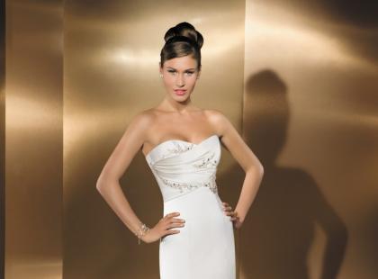 Kolekcja sukni ślubnych Cosmobella wiosna-lato 2010