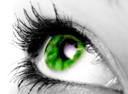 Kolorowe szkła kontaktowe w sprayu