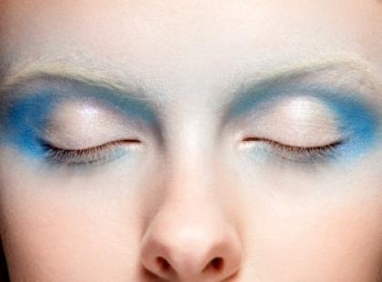 Kolorowy zawrót głowy - tendencje w makijażu wiosna/lato 2010