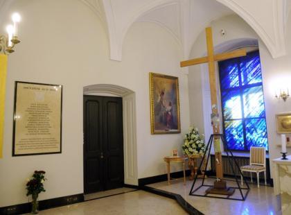 Koniec krzyża na Krakowskim Przedmieściu?